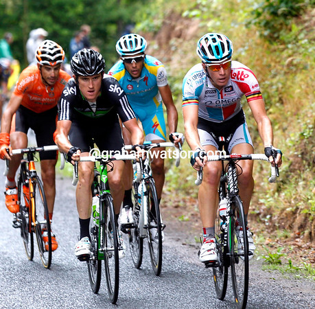 Geraint Thomas is on the attack with Jurgen Roelandts on the very first climb...