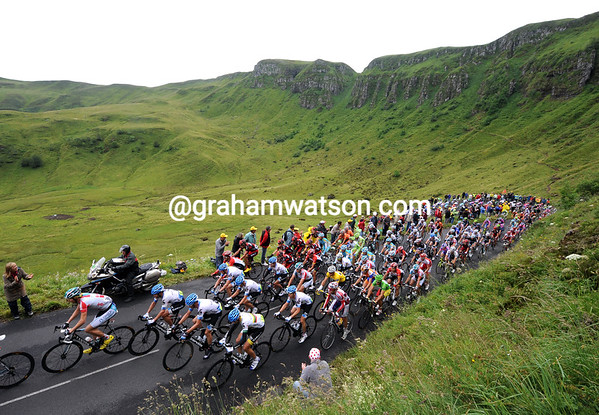 The peloton is climbing its first real ascent of this Tour de France - and it's one of the prettiest as well..!