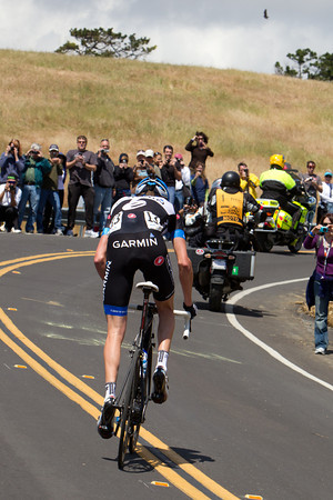 Hesjedal has dropped Martens and is trying to stay away to the top, he had about a minute at the bottom of Sierra Rd.