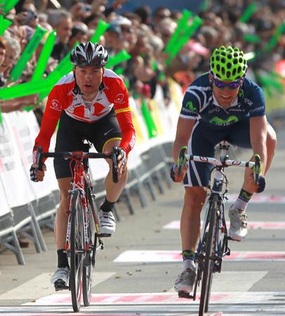 Jose Joachin Rojas has won stage six - despite Cardoso's protests...