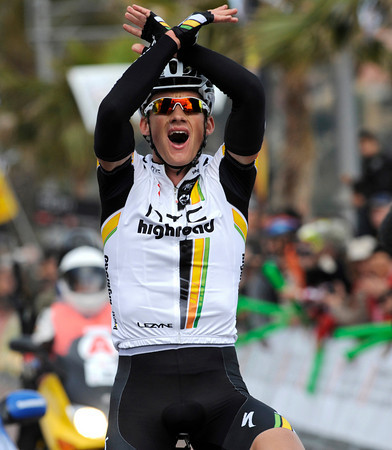 Gatis Smukulis wins stage one alone, and takes the race-lead...