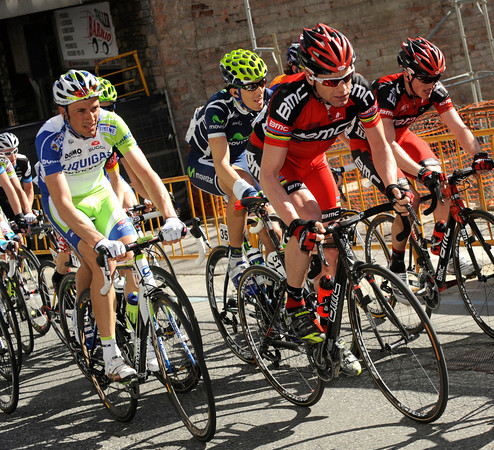 Evans and Ivan Basso look a little wary as the attacking begins...