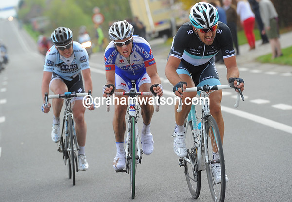 The final escape is established with Cancellara, Chavanel and Nuyens heading for the finish...
