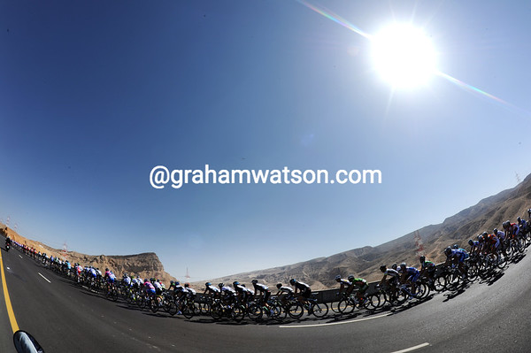 A blue sky and bright warm sun can help make life in Oman almost pleasant for the peloton...