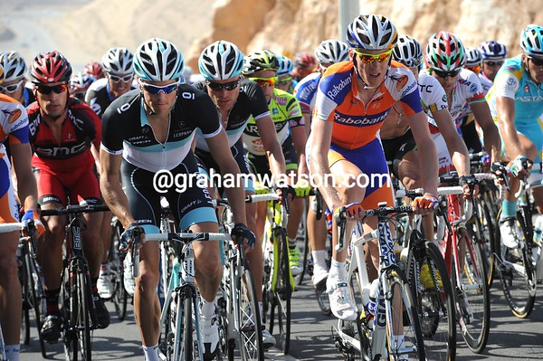 Jacob Fuglsang and Robert Gesink are the climbers setting the pace near the top...