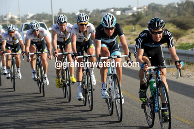 Kurt Asle Arvesen leads the chase for team Sky - they are within a few minutes of the escape now...