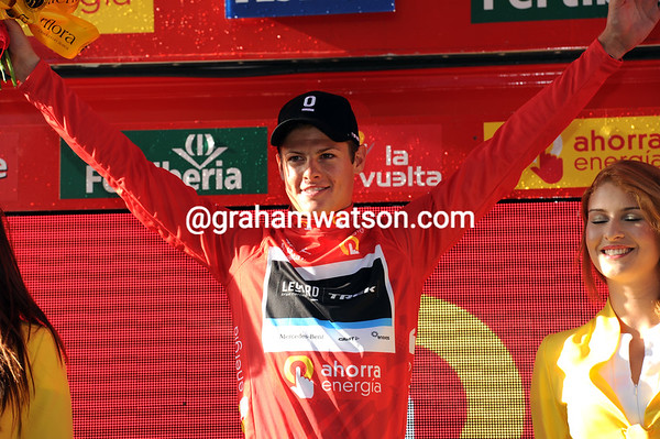 Jacob Fuglsang celebrates being the first leader of the 2011 Vuelta a España..!