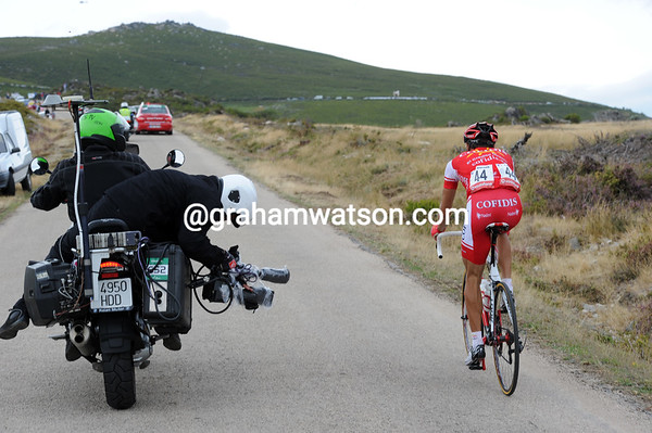 Moncoutié is out in front alone with 10-kilometres to go...