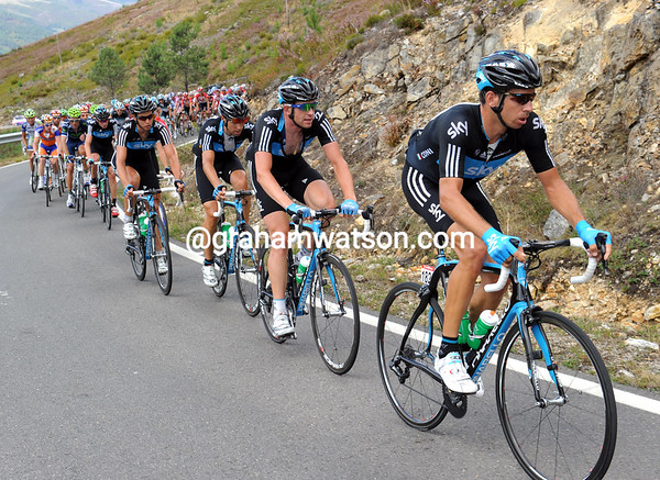 Sky is in some sort of control of the peloton, with Cioni leading the way...