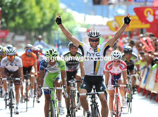 Michele Albasini wins into Ponferrada at the end of a great day's racing in the Vuelta..!