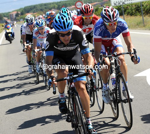 A huge escape hs worked its way in front, led by LeMevel and Chavanel...