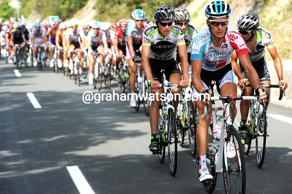 Despite have jan Bakelandt in the escape, Omega-Pharma riders are setting a steady pursuit pace...
