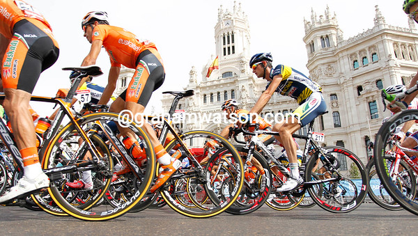 After a 30-kilometre ride into Madrid, the peloton raced twelve laps of a short circuit...