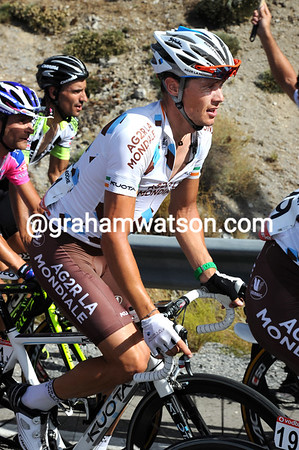 Nicholas Roche is also missing his mask of pain today - the real race starts a week away..!