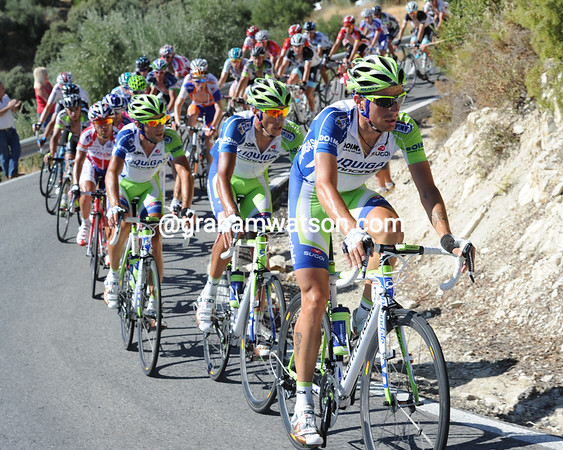 Liquigas is hauling the Vuelta on to the penultimate hill of Alto de Valdepeñas...