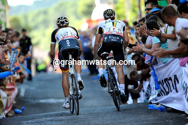 Sprinters like Degenkolb and Wagner have found the finish climb is not to their liking..!