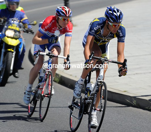 And just like yesterday, two riders are chasing - Martijn Keizer and Pim Ligthart...