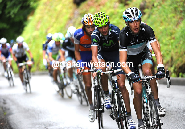 Schleck is chasing Bakelandts, and at the same time shattering the leftovers of the escape...