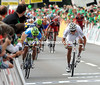 It's a two-man sprint between Sagan and Hushovd into Hutwill...
