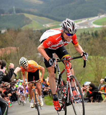 On the same climb some while later, Chris Horner has jumped away from Sammy Sanchez...