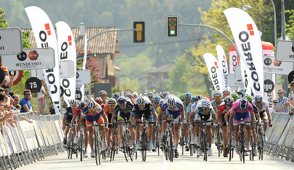 It's a big sprint-finish to stage five...