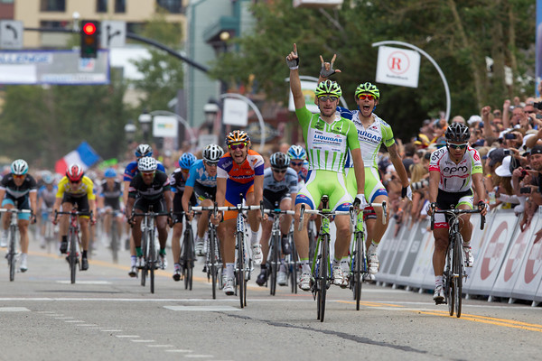 The escape ended up for naught, the peloton caught them and Viviani has made it two wins in a row!