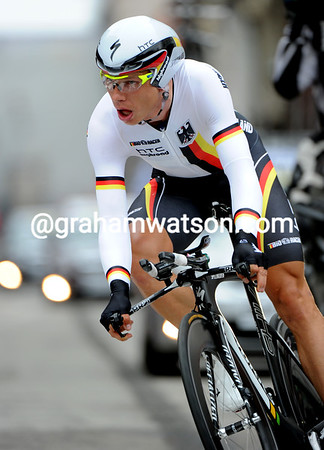 Tony Martin won the World Championship, covering the technical course at almost 52-kilometres-per-hour..!