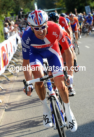 Wiggins ups the pace and nullifies the last attack of the day before organising the GB train for Cavendish...