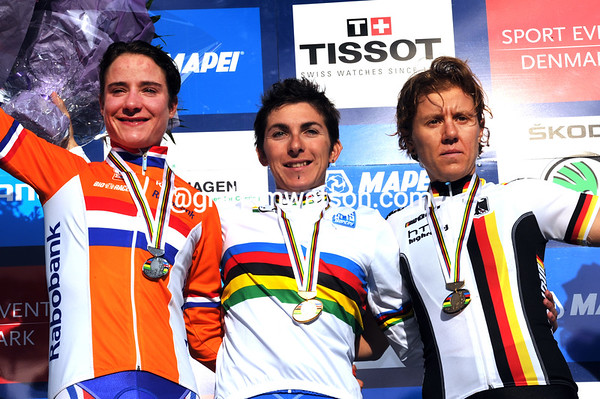 Bronzini, Vos and Teutenberg share the winner's podium
