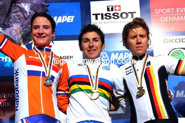 Bronzini, Vos and Teutenberg share the winner's podium