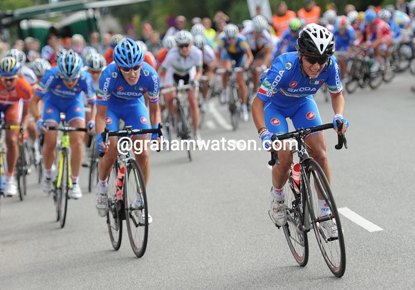 The Italians are starting a concerted chase with 12-kilometres to go...