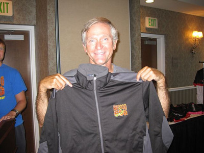 Tim Skipper awarded a Hoodoo jacket for completing his 5th race in a row!