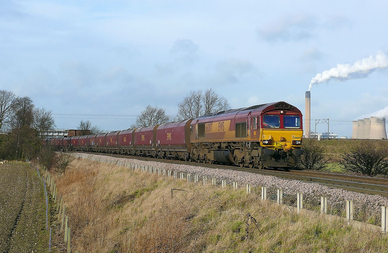 66007 passes under the East Coast Mainline at Heck Ings with 6H34 0607 Immingham H.I.T. - Drax Power Station loaded coal working on jan the 27th 2012