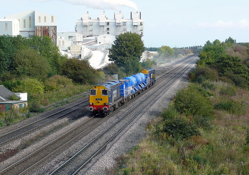 20301 & 20302 are seen powering along the Down Mainline at Metlon Ross passing the Singelton and Birch Lime Stone with 3S14 1113 Grimsby Town - Malton Rail Head Treatment Train.