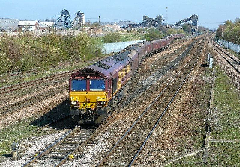 Once again 66015 is seen snaking across the point work that leads into and out of Hatfield Colliery and the full length of a trainload of 23 HTA hopper wagons can be fully appreciated.