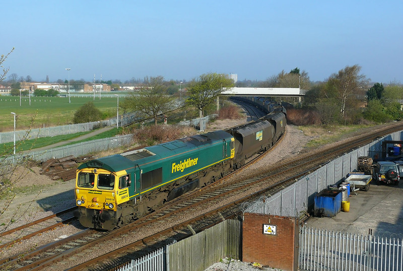 After a short absence Freightliner are once again moving coal from Hull Docks 66614 is seen coming off the Hull Docks Branch with 6M49 the 0800 departure to Rugeley Power Station the train is being expertly driven by Doncaster Driver Wayne Boucher.