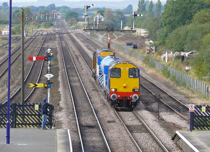 20301 & 20302 having sprayed most South and West Yorkshire now venture into deepest northern lincolnshire at Barnetby with  3S13 0850 Wakefield Wrenthorpre Sidings - Grimsby Town Railhead Treatment Train