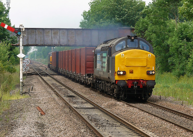 It's that time of year again when DRS makes its sparodic vist to Hull Docks again with low level was for export to Russia, 37611 & 37606 are shattering the peace at Gilberdyke Jn with 6Z30 0730 Departure from Carlisle Kingmoor Yard to Hull Hedon Road Sdg's