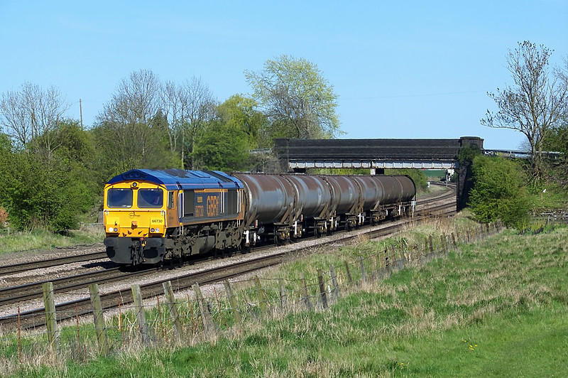 GBRF's 66730 is seen Between New Barnetby and Barnetby with 6Z20 1505 Departure form Lindsey Oil Refinery to Doncaster Robert's Road Ssg empty TEA tanks