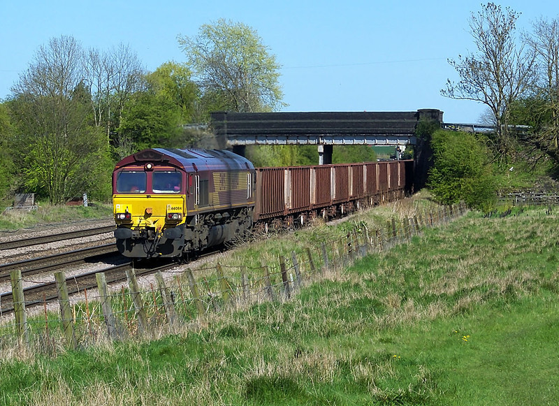 66186 is seen plodding along the Down Goods with 6T26 1504 Departure form Immingham F.O.T. to Santon O.B.P