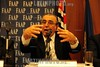 BRASIL 2012-04-26 IV SEMINARIO SOBRE GESTAO DE CIDADES EM TEMPOS DE INTEGRACAO REGIONAL PROMOVIDO PELA FAAP EM SAO JOSE DOS CAMPOS - SP BRASIL. NA FOTO VICTOR MIRSHAWKA DIRETOR CULTURAL DA FAAP. / Brasilien: VICTOR MIRSHAWKA. © Lucas Lacaz Ruiz/LATINPHOTO.org