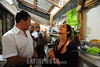 BRASIL 2012-04-18 Visita de Raquel Rolnik , urbanista , professora da Faculdade de Arquitetura e Urbanismo da Universidade de Sao Paulo e relatora especial da Organizacao das Nacoes Unidas para o direito a moradia adequada, a Sao Jose dos Campos - SP para verificar a situação das familias desabrigadas do Pinheirinho. / Brasilien: Die Professorin Raquel Rolnik besucht eine Armensiedlung. © Lucas Lacaz Ruiz/LATINPHOTO.org