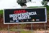 """2012-04-16 DIVERSOS OUTDOOR ESPALHADOS NA CIDADE DE SAO JOSE ODS CAMPOS - SP COM OS DIZERES """"CRACK. INDEPENDNCIA OU MORTE"""". / Cartel para la prevencion de accidentes. / Poster for accident prevention. / Brasilien: Plakat zur Unfallverhütung. © Lucas Lacaz Ruiz/LATINPHOTO.org"""
