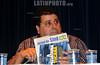 BRASIL 2012-04-20 O JORNALISTA INVESTIGATIVO AMAURY REIBEIRO JR AUTOR DO LIVRO PRIVATARIA TUCANA DURANTE PALESTRA PROMOVIDA PELO SINDICATO DE CIENCIA E TECNOLOGIA DE SAO JOSE DOS CAMPOS - SP NO AUDITORIO DE DIREITO DA UNIVAP CENTRO. ANTEONTEM AMAURY RECEBEU A NOTIFICACAO QUE O EX GOVERNADOR JOSE SERRA ABRIU UM PROCESSO CONTRA ELE. / Brasilien: Investigationsjournalismus. © Lucas Lacaz Ruiz/LATINPHOTO.org