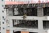 2012-04-09 CENA DE CONSTRUCAO CIVIL  EM SAO JOSE DOS CAMPOS - SP BRASIL. / Sitio. Trabajadores de la construccion. Concreto. Edificio de nueva construccion. / Site. Construction workers. Concrete. New building. / Brasilien: Sao Jose dos Campos. Baustelle. Bauarbeiter. Betonbau. Neubau. © Lucas Lacaz Ruiz/LATINPHOTO.org
