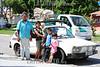 BRASIL 2012-04-14 DESABRIGADOS PINHEIRINHO. DIVERSAS FAMILIAS ESTAO VIVENDO APENSA COM O ALUGUEL SOCIAL OFERECIDOS PELO GOVERNO DO ESTADO E PREFEITURA DE SJCAMPOS, POREM MUITASS DELAS AINDA NAO CONSEGUIRAM NEM EMPREGO NEM UMA CASA MAIS DEFINITIVA ATE A CONSTRUCAO DAS 1.100 MORADIS PROMETIDAS PELO GOVERNO DO ESTADO. NA FOTO A FAMILIA DO SR JOSE LUCIO DOS SANTOS, 63 APOSENTADO CASADO COM MICHELE DE MELO LEITE, 32 E OS FILHOS GABRIEL DE MELO SANTOS, 8 ANOS NATASCHA DE MELO SANTOS, 5 E O PEQUENO WALAN DE MELO SANTOS DE 1 ANO E 7 MESES QUE ATUALMENTE MORAM DENTRO DE UMA BRASILIA. / Familias desplazadas de la devastada asentamientos pobres Pinheirinho. / Displaced families from Pinheirinho. / Brasilien: Vertriebene Familie aus der zerstörten armensiedlung Pinheirinho. © Lucas Lacaz Ruiz/LATINPHOTO.org