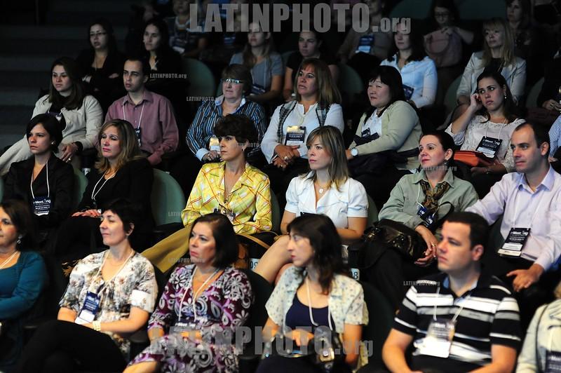 BRASIL 2012-03-31 PRIMEIRO MEETING DE HOTEIS E CONVENCOES ORGANIZADO NO HOTEL PROMENADE EM SAO JOSE DOS CAMPOS - SP BRASIL ORGANIZADO PELA JORNALISTA E ECONOMISTA ELZA VOLCOFF DO GUIA DE HOTEIS, VOLTADO PARA SECRETARIAS E AGENTES QUE CONTRATAM HOTEIS E CONVENCOES PARA AS EMPRESAS DA REGIAO DO VALE DO PARAIBA. / Agencia de viajes. / Meeting. / Brasilien: Kongress der Reisebranche und Hotelerie in Sao Jose dos Campos. © Lucas Lacaz Ruiz/LATINPHOTO.org