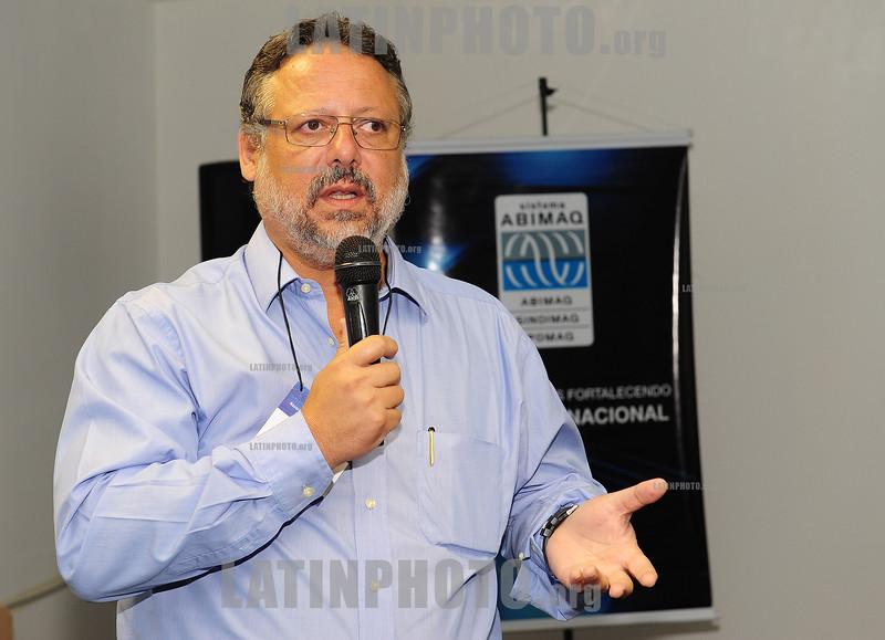 2012-04-17 EVENTO PROMOVIDO PELA ABIMAQ REGIONAL SAO JOSE DOS CAMPOS.<br /> NA FOTO MARIO SARRAF DIRETOR DA REGIONAL ABIMAQ SAO JOSE DOS CAMPOS - SP. / Brasilien:  MARIO SARRAF. © Lucas Lacaz Ruiz/LATINPHOTO.org
