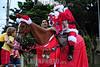 2012-12-16 UM PAPAI NOEL COM UM CAVALO E VISTO NO BAIRRO DO JARDIM SATELITE ZONA SUL DE SAO JOSE DOS CAMPOS - SP BRASIL ELE PASSEOU COM ALGUMAS CRIANCAS E TIROU FOTOS / Santa Claus visita ninos a caballo en Sao Jose dos Campos / Brazil: Santa Claus on horseback visits children  in Sao Jose dos Campos / Brasilien : Nikolaus auf dem Pferd besucht Kinder  in Sao Jose dos Campos © Lucas Lacaz Ruiz/LATINPHOTO.org
