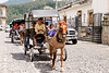 Guatemala : Turismo / Guatemala : horse-drawn carriage - Tourism / Guatemala : Touristen in Pferdekutschen in Antigua © Tito Herrera/LATINPHOTO.org